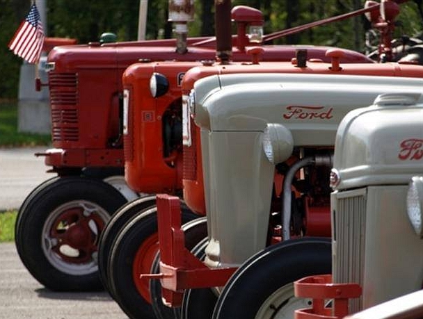 Spring Creek Antique Tractor Show & Pull